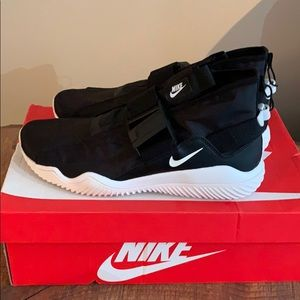 Nike shoes 10.5